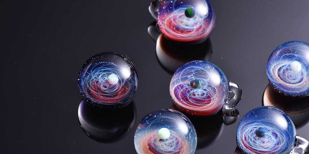 ガラス 宇宙